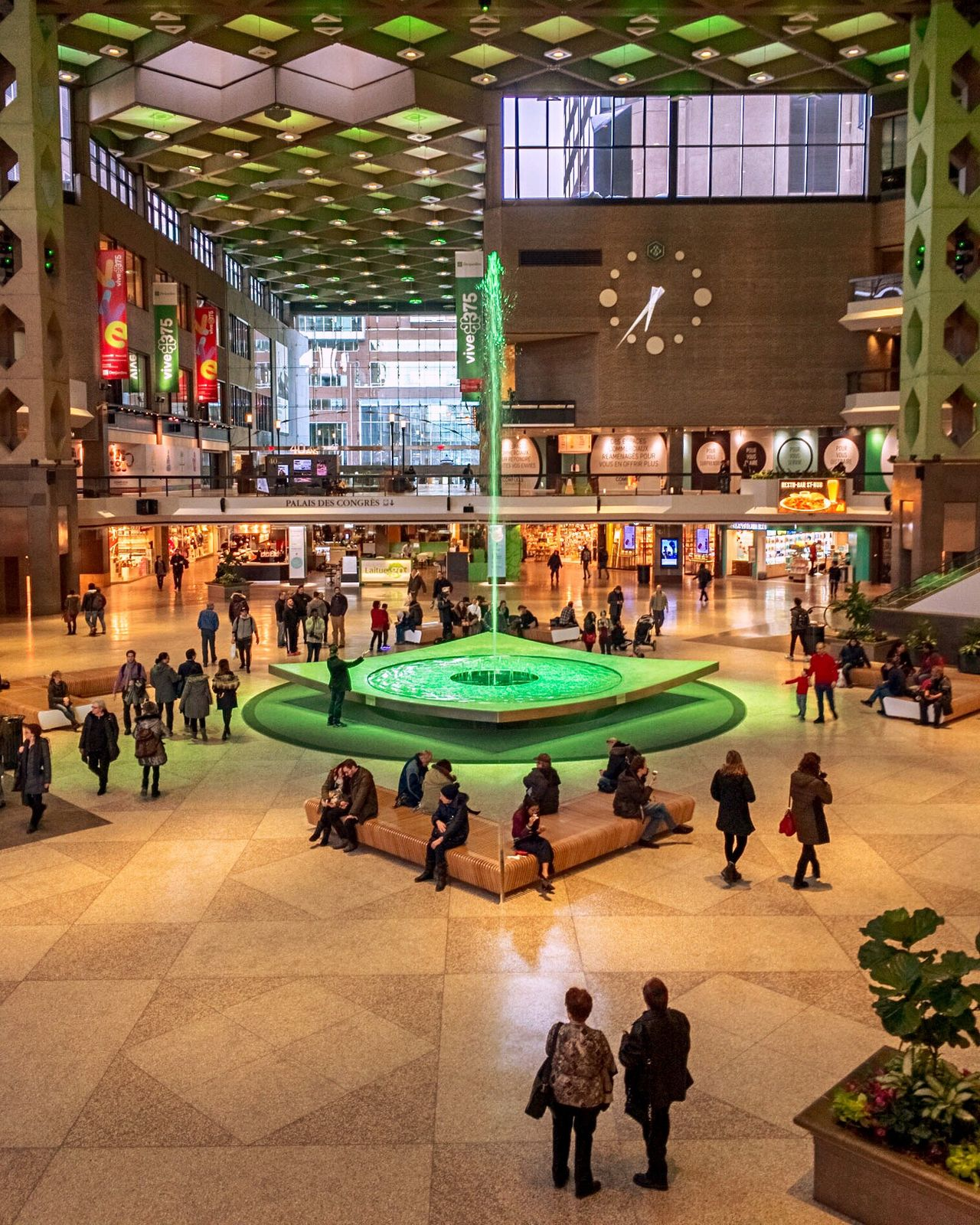 Large Group Of People High Angle View Real People Women Shopping Mall Leisure Activity Men Indoors  Architecture City Life Built Structure City Adults Only People Adult Only Women Pool Table Day Fountain Green Color