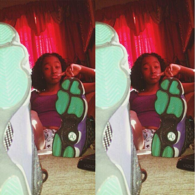@Thug'BabiiPinky Jordans Swagg Modeltype  Thugs ✌