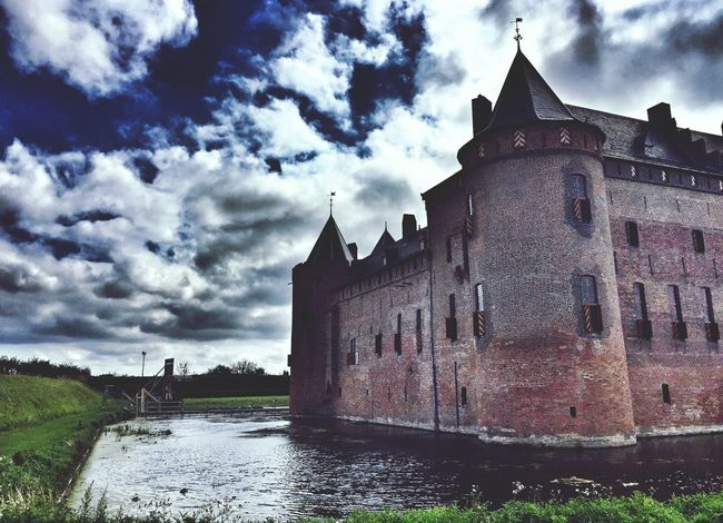 One of the oldest castle in Amsterdam Muiderslot Castle Cloudporn Travel Photography Holland Amsterdam Netherlands ❤ EyeEm Best Shots September 2016 Eye4photography  Architecture_collection Check This Out EyeEm Gallery Dutch Countyside