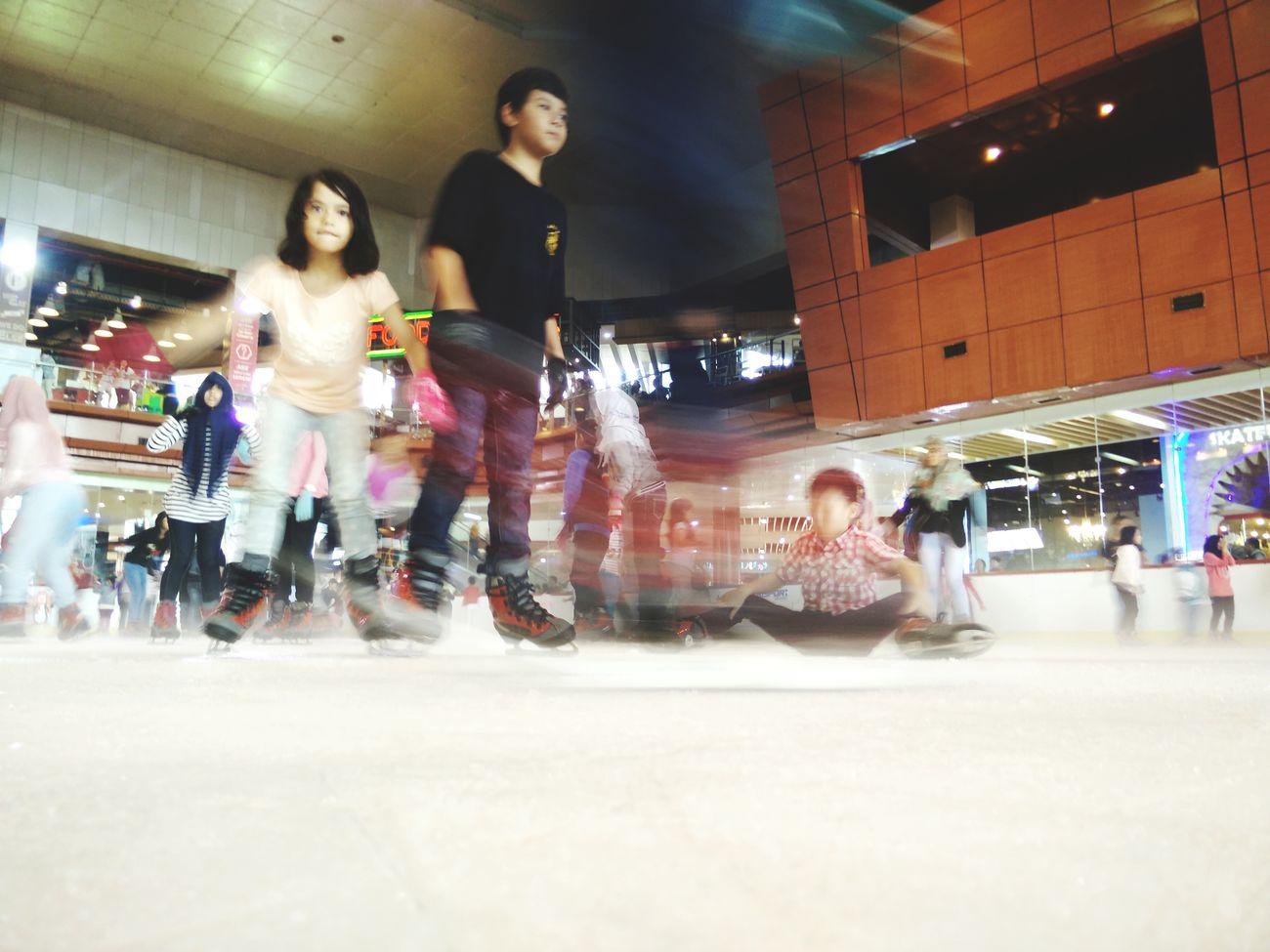 Ice skate Iphonesia