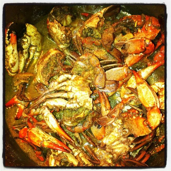 Saturday dinner for my little sister and cousin!!! Crabcurry Dhall Rice Bluecrab homecooking familytime