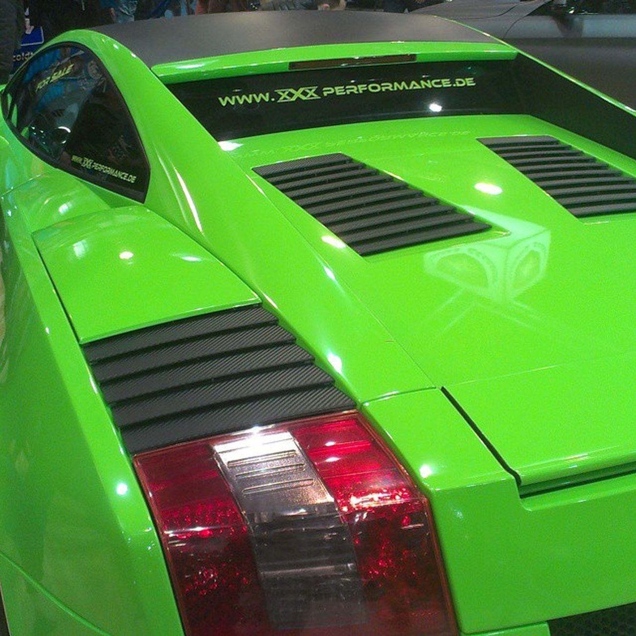 I saw a really nice Limegreen Lamborgini  yesterday :0 Traumauto Dreamcar