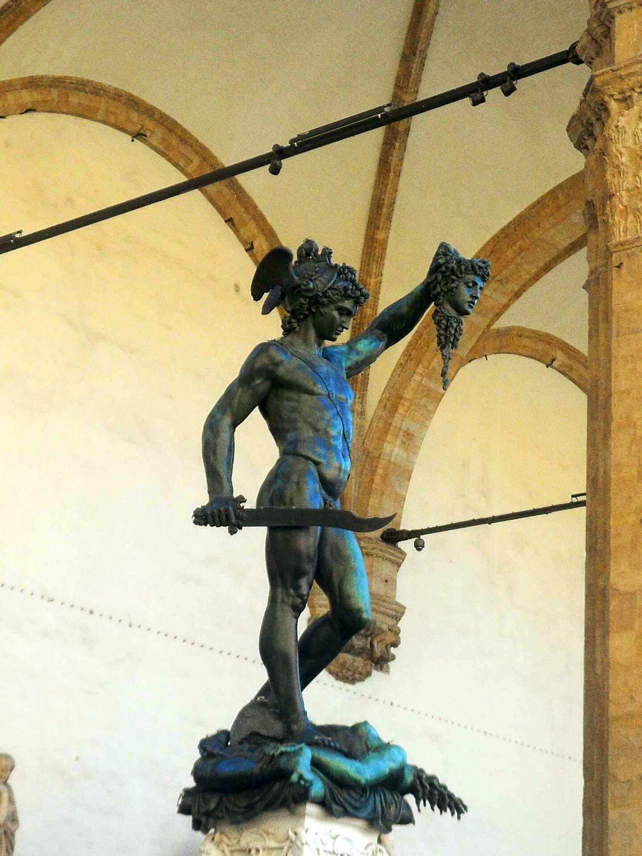 Florence Italy Fiorenze History Sky statue Sculpture No People Italia Full Length Outdoors Day Perseo E La Medusa Perseoconlatestadimedusa Perseo