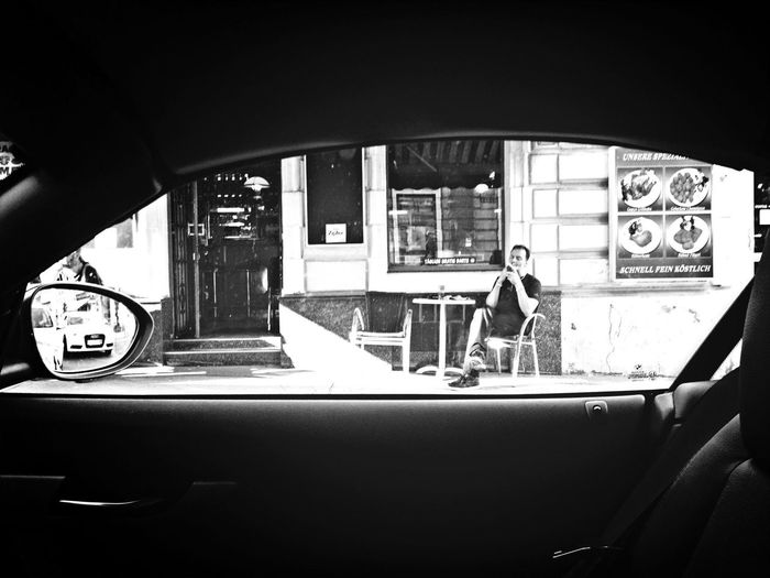 Drivebyshooting Cafe Streetphotography Vienna