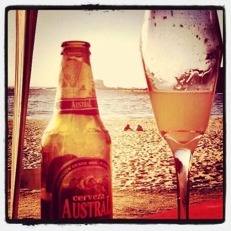 Después del trabajo una rica cerveza y la vista lo mejor ✌️?? Drinks Friends EyeEm