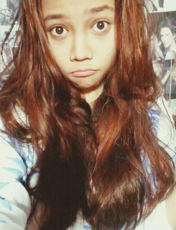 Girl Selfie Messy Hair Fashion