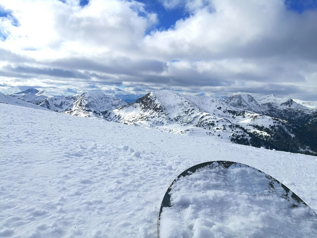 Snow Winter Mountain Landscape Cloud - Sky Outdoors Scenics Sky Nature Beauty In Nature Mountain Range Cold Temperature Day Snowboarding Snow ❄ Snowy Mountains Snowboard Snowboard Gear Skiing Skifahren Ice Cold