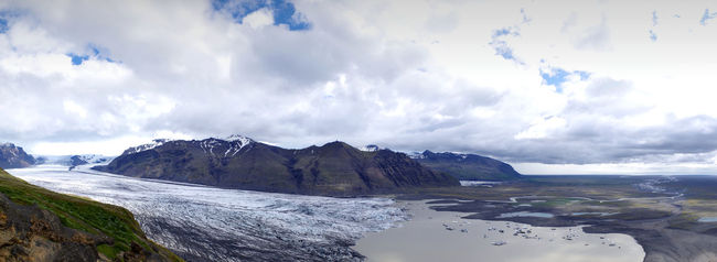 glacier in the skaftafell national park seen from a view point above, Climate Climate Change Glacier Glacier Lagoon Glacier Lake Glaciers Global Warming Ice Iceland Landscape Mountain Mountain Range Nature Outdoors Panorama Panoramic Panoramic Landscape Panoramic Photography Panoramic View Scenics Skaftafell Skaftafellsjökull Sky Snow Travel Destinations