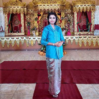Me Kebayamodern Indonesianwomen