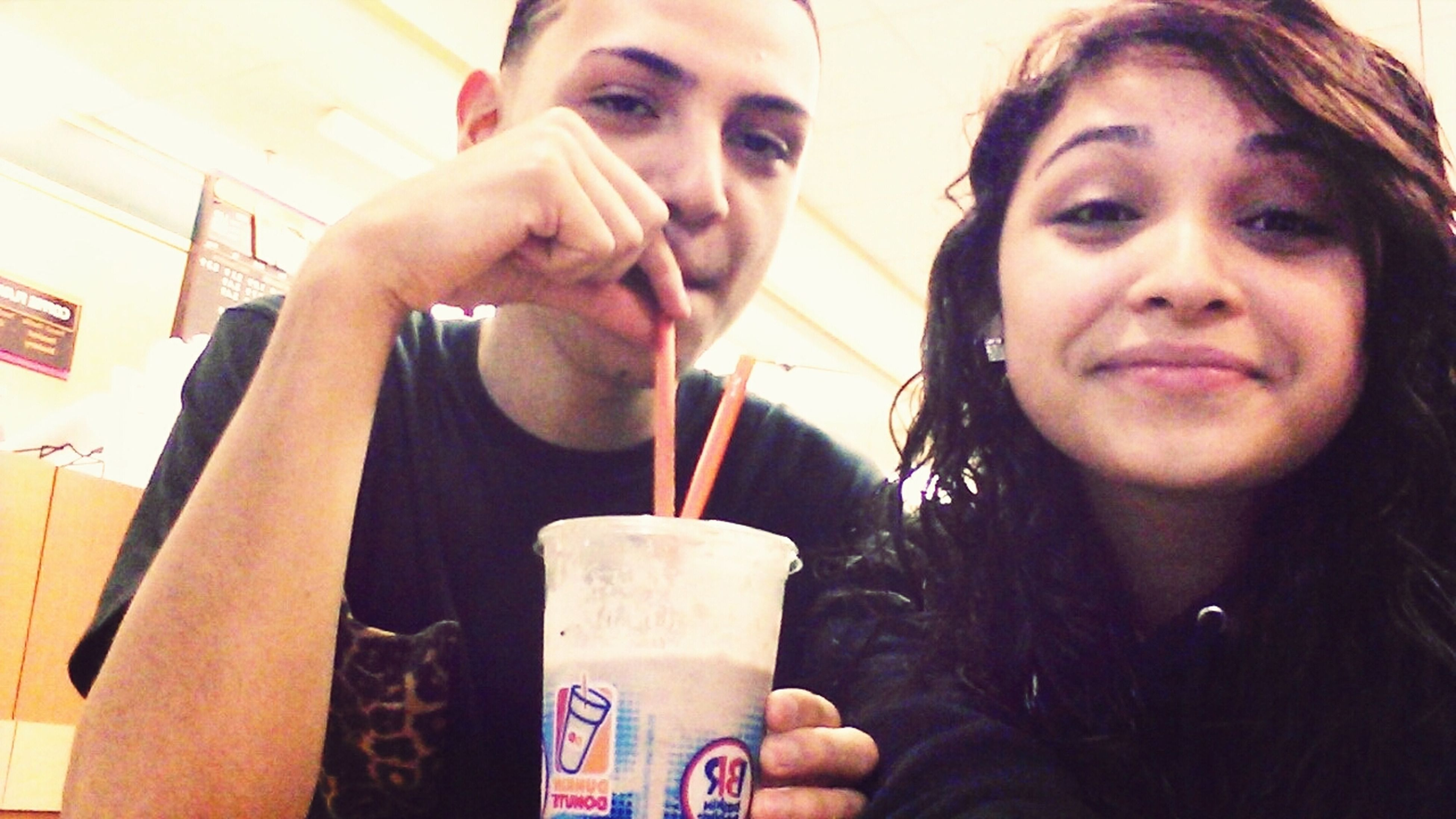 At Dunkin Donuts with le babeee ??