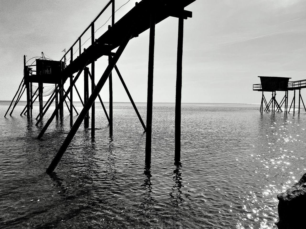 B&WPhoto B&W Collection Monochrome Collection Monochrome Photograhy B&w B&w Photo Blackandwhite Photography Seaside Sky And Water black and white Pêcherie Fisheries Building Fisheries La Bernerie En Retz Loire Atlantique France🇫🇷 Water HuaweiP9 HuaweiP9Photography Mer Structures & Lines No People Outdoors The Architect - 2017 EyeEm Awards
