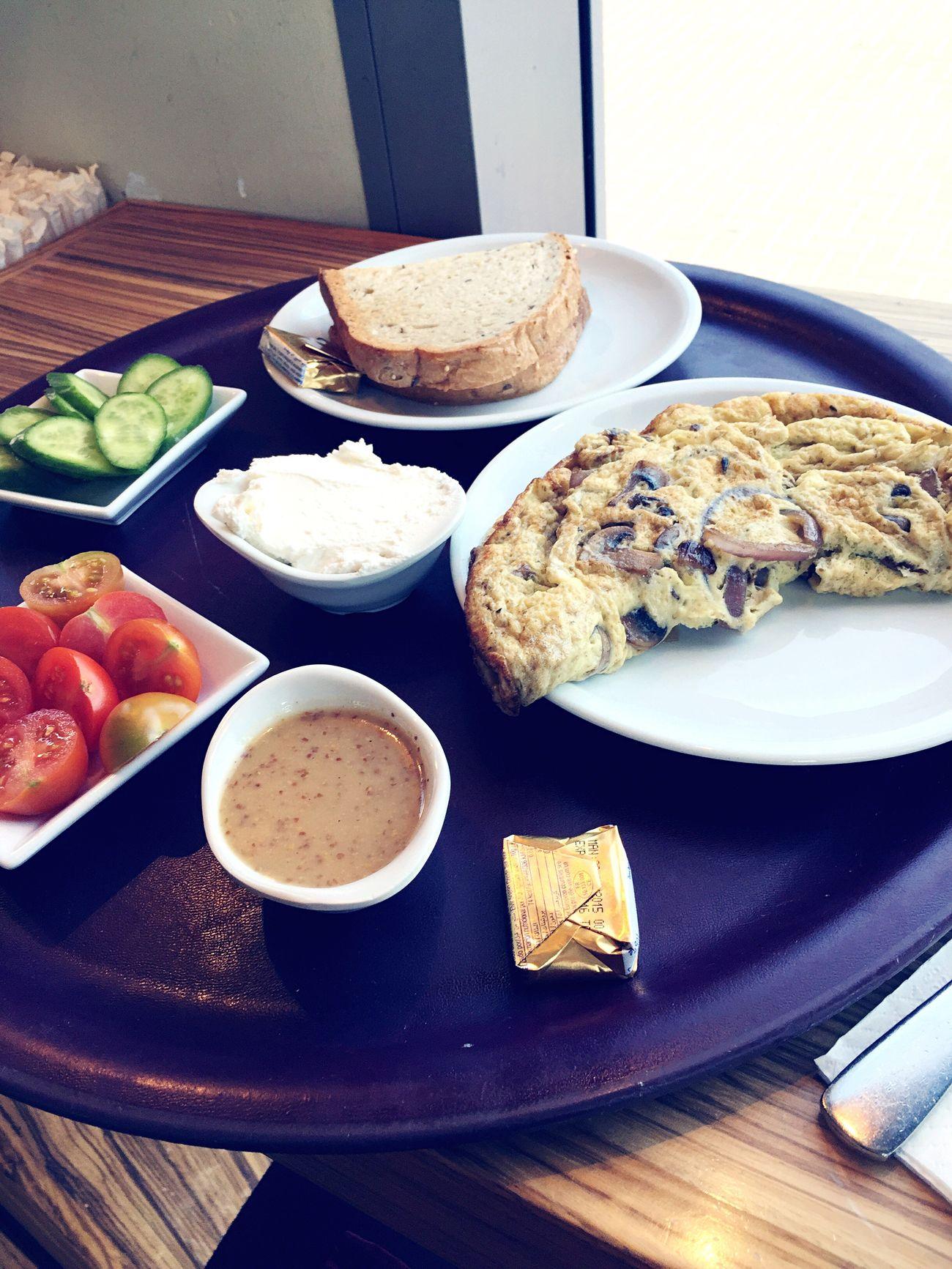 טעים טעים בוקר אלפרדו 👌🏽 Cafeneto