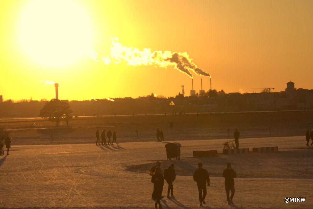 Sunny winter Evening Sky Landscape Large Group Of People Outdoors Sky Sun Sunset Tempelhofer Feld Winter