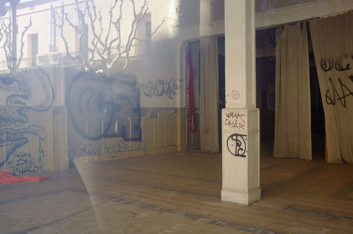 Reflections on an empty building Indoors  Architecture No People Abandoned Place Dirty Window DirtyMirror  Dirty Room