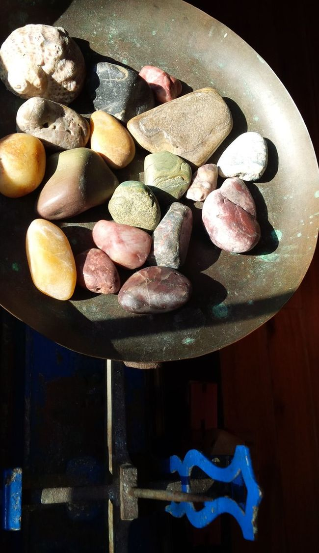 Equilibrium Coloured Stones Balance Sunlight Ilumination Balancing Elements Equilibrio Equal Taking Photos Old Balance Mixed Colours Colored Rolling Stones Light And Darkness  Contrast