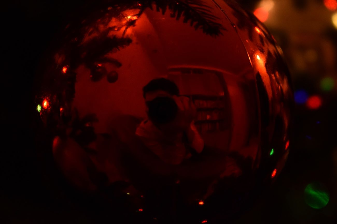 Red Night Illuminated People Silhouette Christmas One Person Adults Only Close-up Lights Ready For Christmas! ! Christmas Decoration Cristmas Time♥ CRISTMAS💙 Moments Christmas NIKON D5300