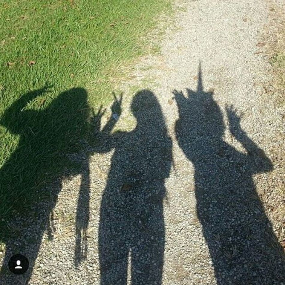 Even though you can't see our faces I love this pic and these girls are my Friendsforeverfridays because I love and miss them sooo much!!! I hope we can hang soon😍😘😊😘😘😘