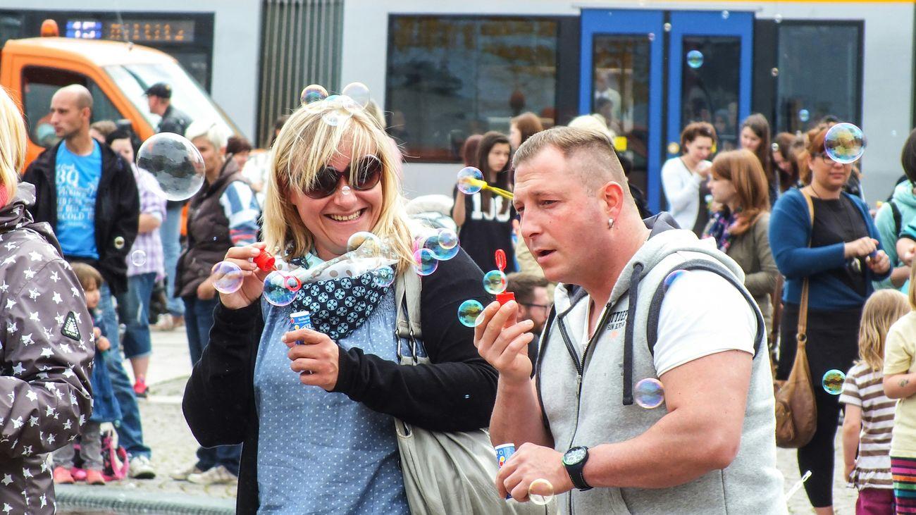 Seifenblasen Flaskmob Viele Leute Happy People