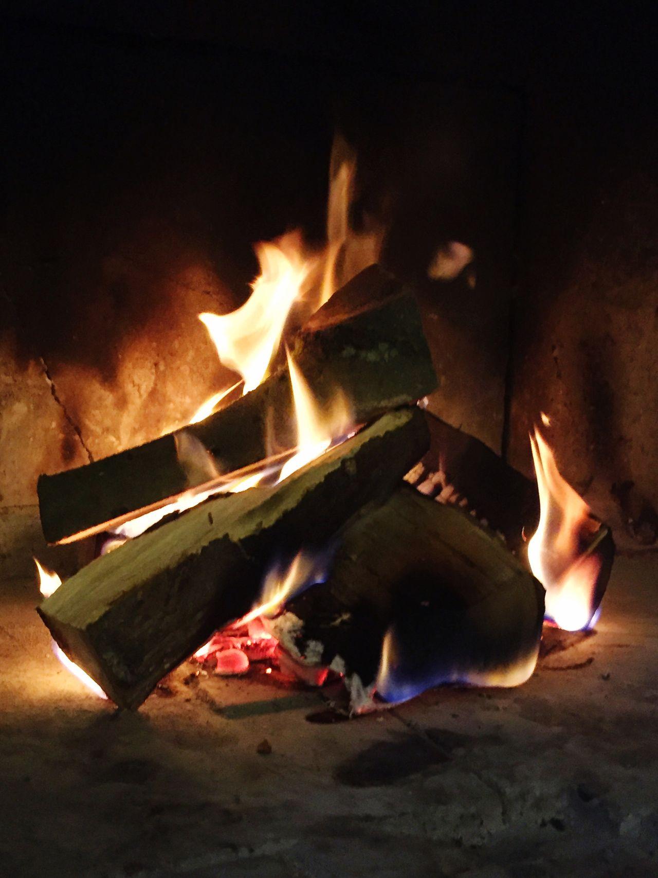 Fire Firewood Fireplace Feuer Feuer Und Flamme Feuerstelle Feuerholz Kaminfeuer Fire And Flames