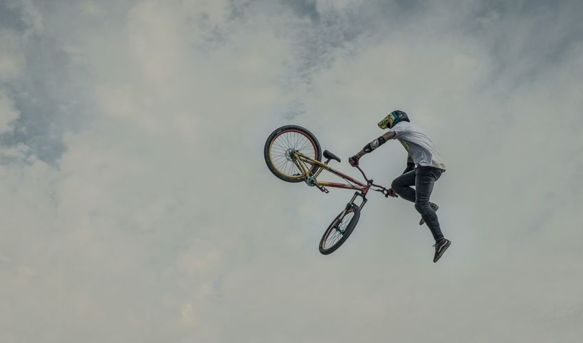 Mountainbike Dirtbike Dirt Airtime Munich Mash Slopestyle Munich Tailwhip Action Sports Going The Distance Learn & Shoot: SimplicityNegative Space Adrenaline Junkie Celebrate Your Ride Adventure Club People And Places