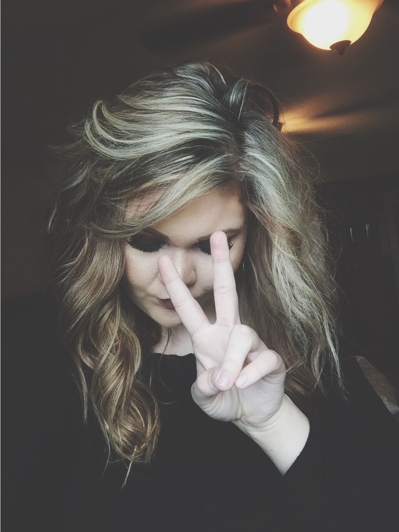 Peace ✌ One Person Human Hand Women Indoors  Close-up Real People Blond Hair Young Women Young Adult Adult People Day Adults Only Snapchat Comments Are Welcome Hello World Sunday Morning Happiness Instagram Pics