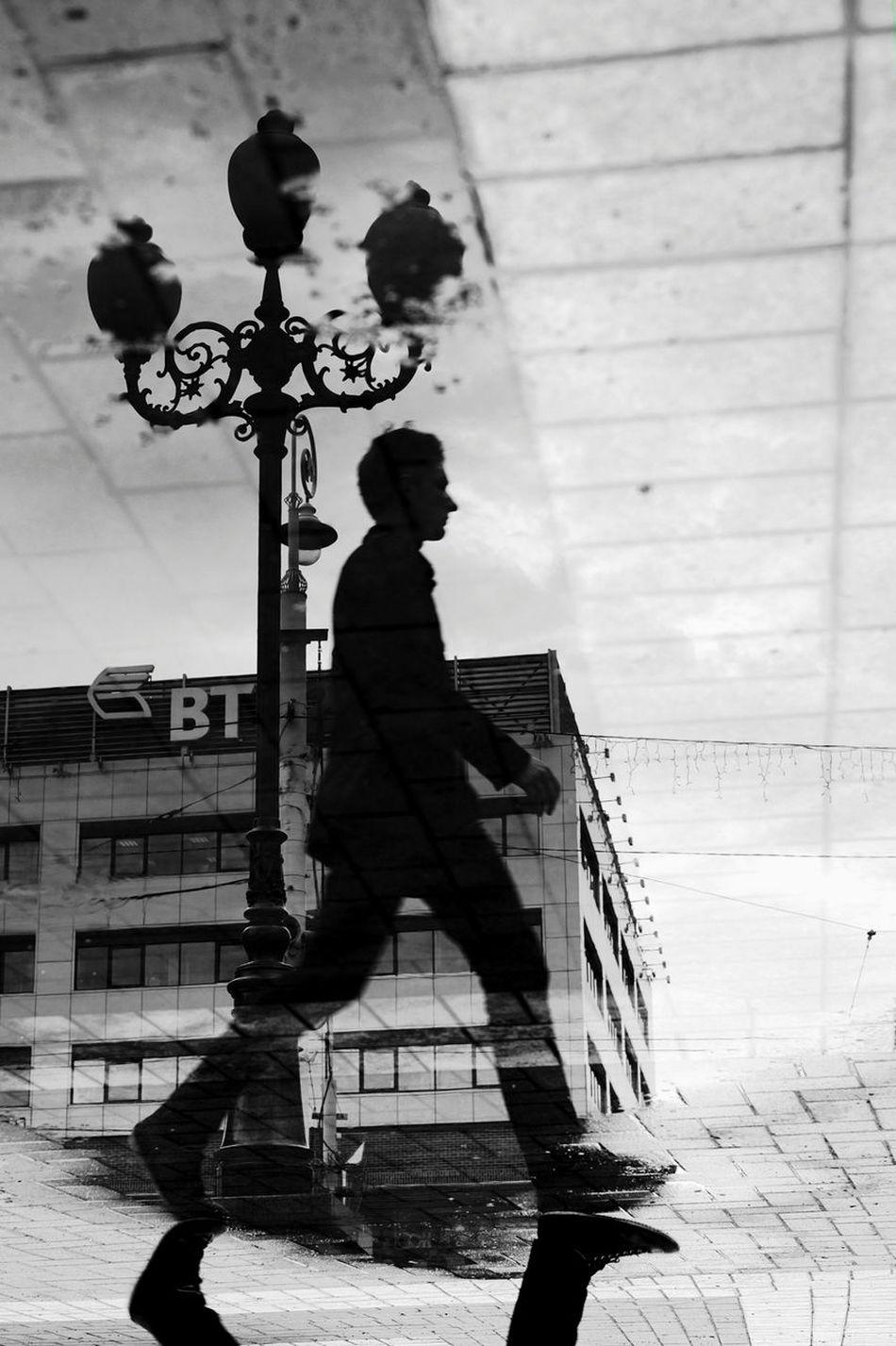 Kaliningrad калининград Streetphotography Streetphotographer Streetphoto_bw Photoreportage площадьпобеды фоторепортаж Кловер Photography улица39 Fujifilmru Fujifilm X-Pro1 35mm зеркало отражение в воде отражение_в_лужах