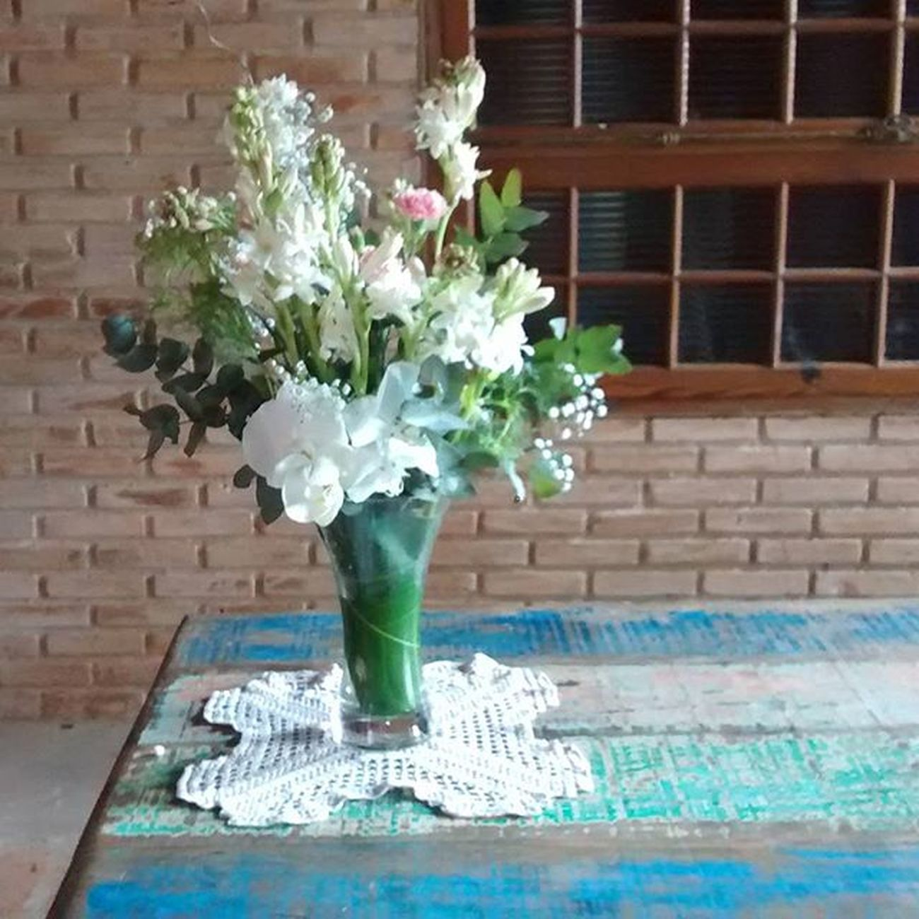 Só esperando os noivos! Deu vontade de casar??!!! Fale c a gente!!rs eu juro q fiquei! Foto Sem filtro Decoracaopersonalizada Decoracaodecerimonia Decoracaodecasamento Weddingdecor Weddingdesigner Weddingfloral Bride Ido Rusticwedding Bohowedding Folkwedding