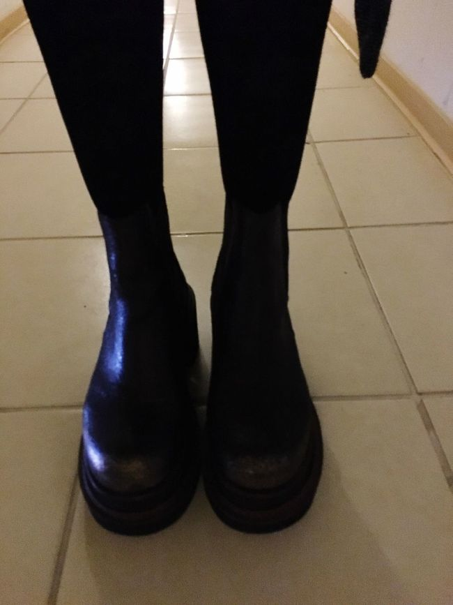 My new boots.. Big boots.. That's Me Taking Photos Cualquier Dia Capture The Moment People Woman Power Enjoying Life Women Who Inspire You Piernas Me That's Me Santiago De Chile Two Is Better Than One