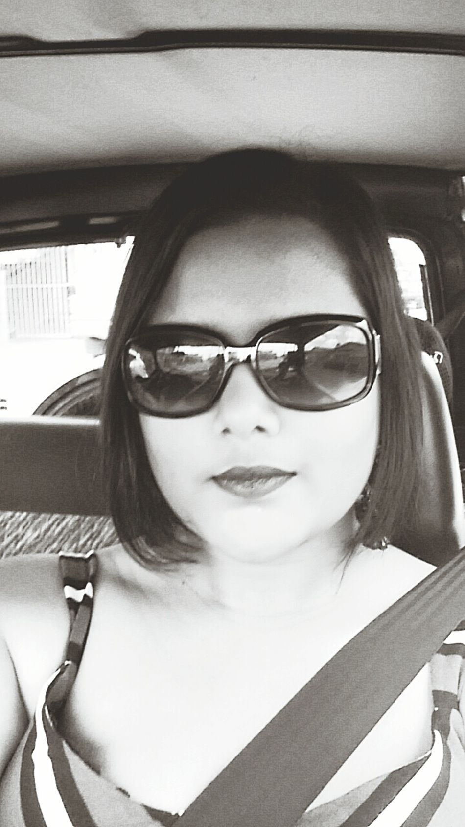 Black And White Love Glamour Shots Glamour That's Me Trinbago Beauty Happiness Fashionably Glamorous Always Wear Your Seatbelt Seatbeltssowecanbesafe