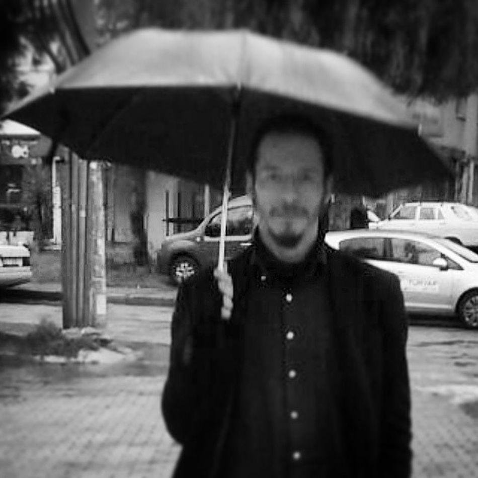 """I'm an alien, i'm a legal alien."" Istanbulian In Izmir Self Portrait Memyself&ı People Faces Of EyeEm Black And White Black & White Open Edit"