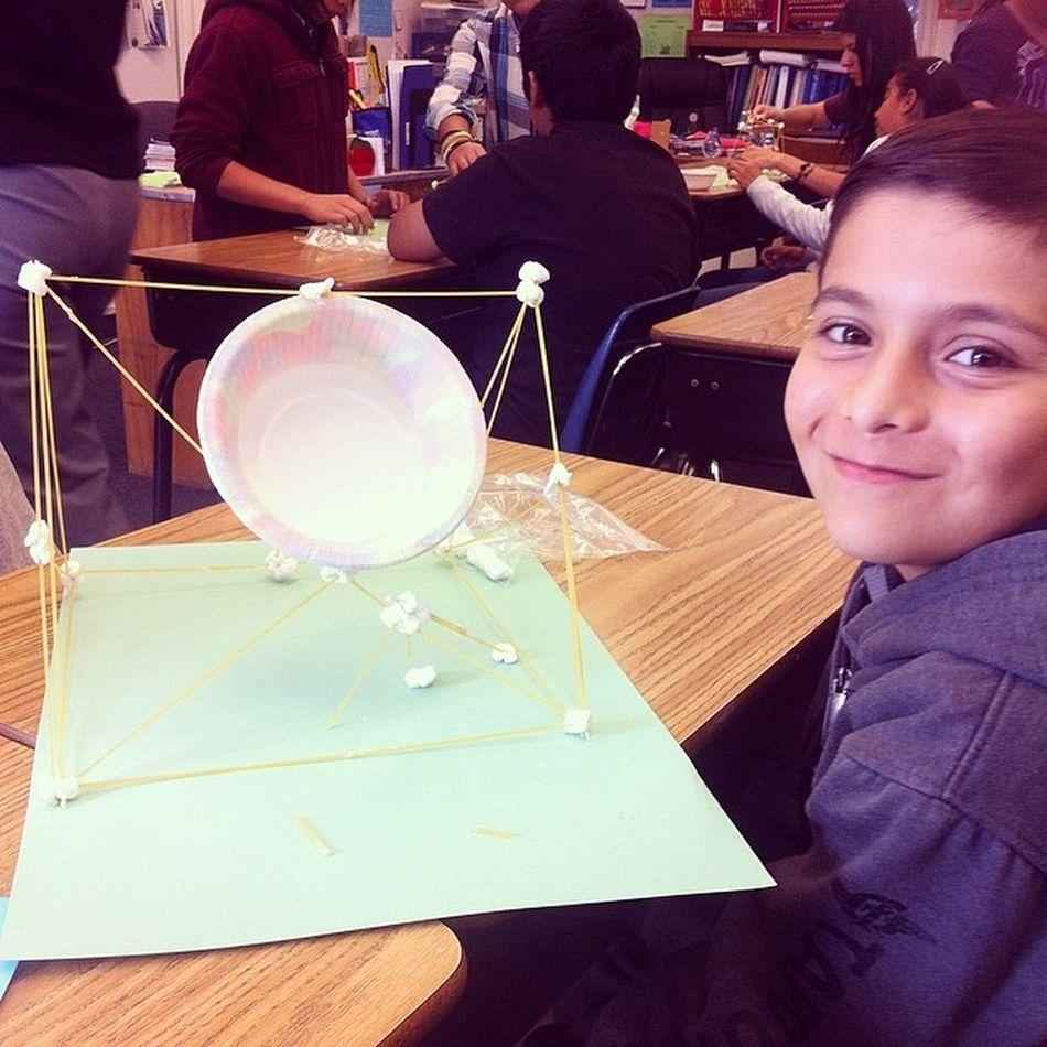 Making towers with my munchkin at school for VIP day (: Simplybeingalice Munchkin School Pasta marshmallows creative engineering lol readacrossamerica
