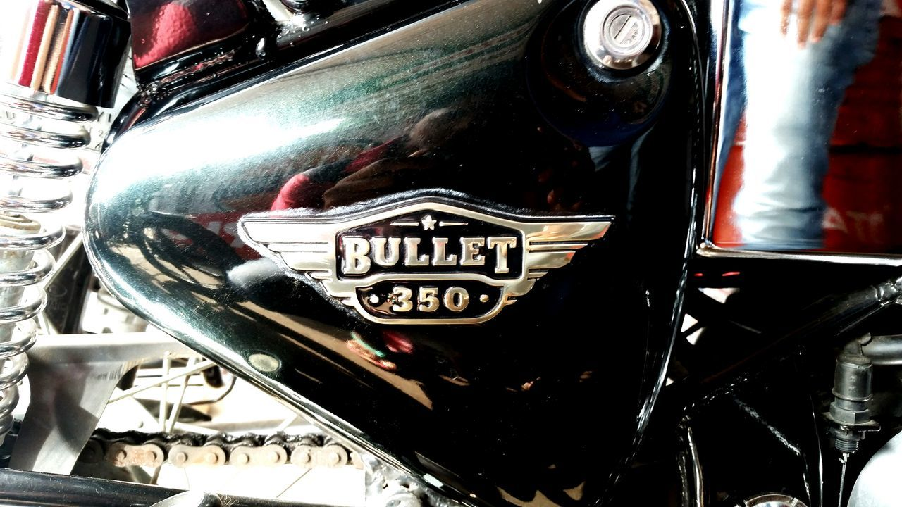 RE Bullet 350..original! Chrome Modern Memories Eye4photography  Eyevision Eyevision. Eyemvision Eyem Vision Eyemphotography Eyem Best Shots EyeEm Gallery Everyday Everyday Life Eyem Gallery Bikes Bikes Bikes Bikesaroundtheworld Royalenfield Bullet 350  Royalenfieldbullet Royalenfieldmotorcycles