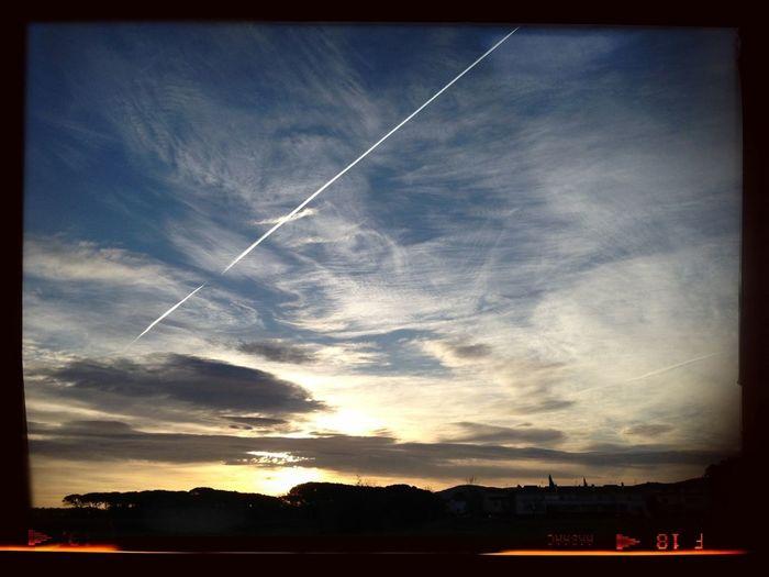 #sunset #sun #clouds #skylovers #sky #nature #beautifulinnature #naturalbeauty #photography #landscape A Photo A Day