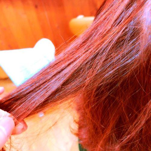 アディクシーでラベンダーピンクに💇 ヘアカラー ラベンダーアッシュ アディクシーカラー アディクシー ホリスティックカラー ホリスティック ノンダメージサロン®︎ ビィシャイン社店 BESHINE Human Hair Long Hair One Person Real People Lifestyles Hair Care Human Body Part Close-up Day Indoors  Human Hand People