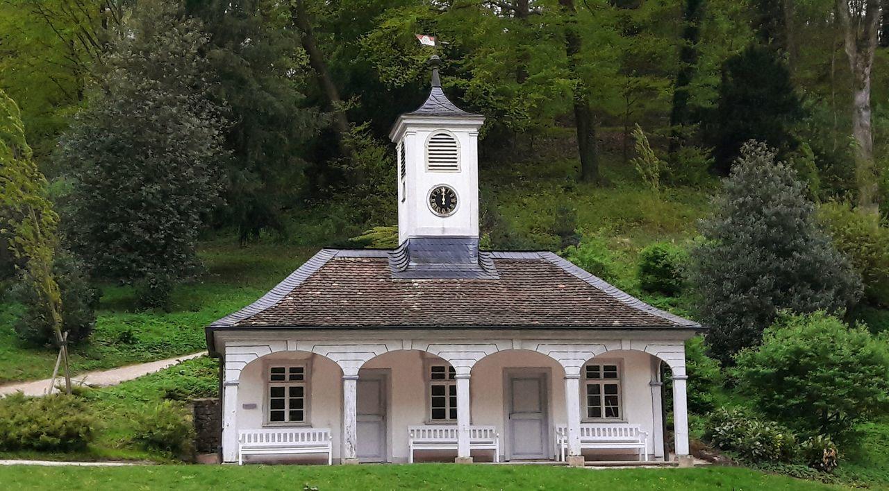 Bensheim-Auerbach Fürstenlager Grass Building Exterior Clock Tower Woodhouse 12oclock April 2017 In The Forest