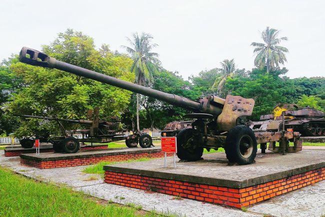 Outdoors Sky Day Gun Weapon Weapons Weapons Of War Vietnamwar Antiaircraft Artillery Taking Photos Vietnam Huế Eyeemphotography EyeEm Best Shots EyeEm Vietnam Travel Vacations