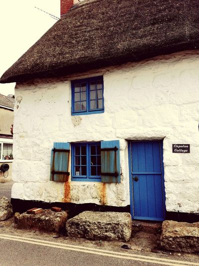 Cottage Building Exterior Architecture Blue Gate White House Built Structure Window Tintagel Cornwall United Kingdom Cornwall England Vintage Old Fashioned Building House Casa Campo
