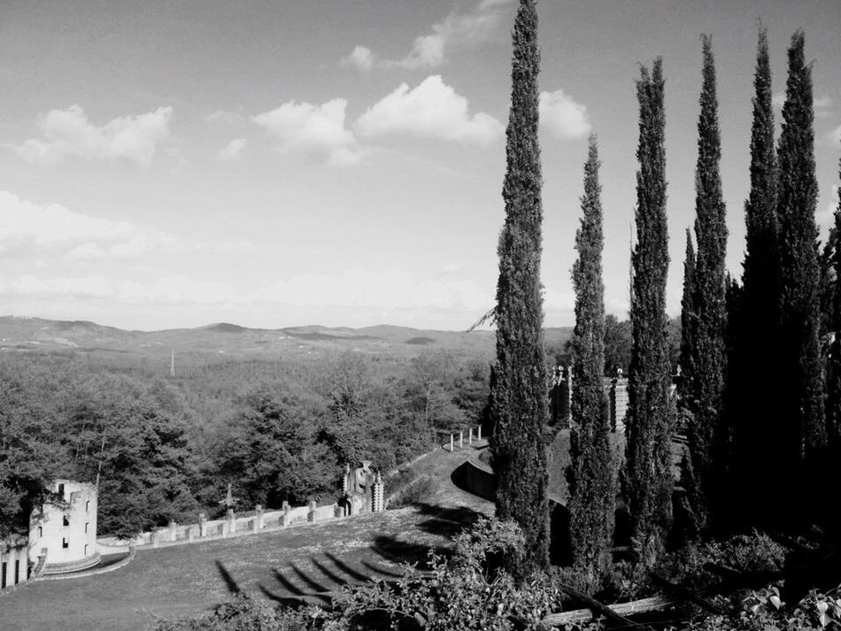 QVHoughPhoto Lascarzuola Italy Umbria Terni Montegabbione Outdoors Landscape Blackandwhite IPhoneography IPhone4s