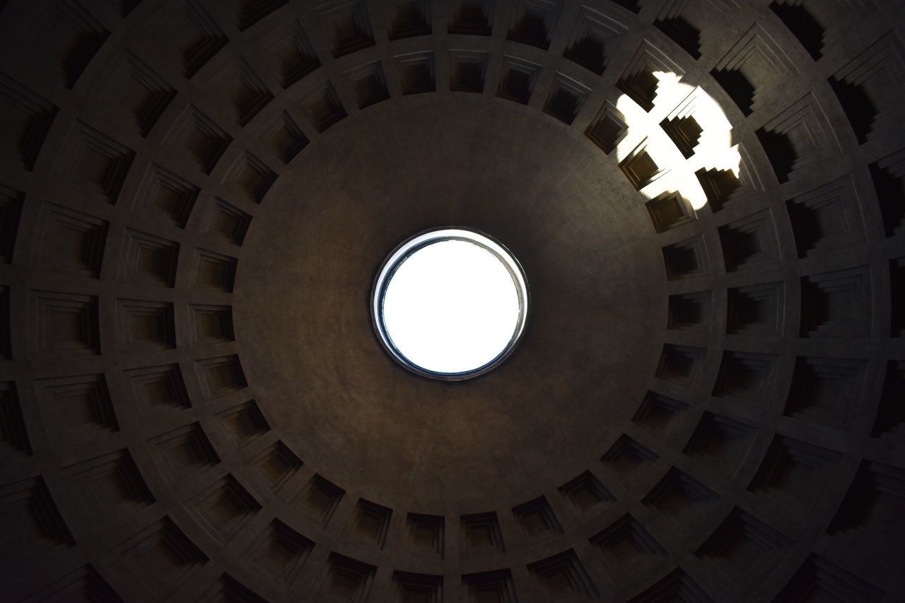 Circle Architecture Indoors  Travel Destinations Dome Pattern Place Of Worship Built Structure No People Concentric Close-up Day Partenon Italy Rome Dome EyeEmNewHere
