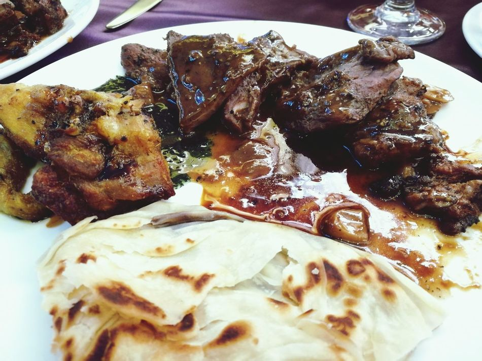 Dinerfood Food And Drink Arabicfood  Roti روتي Plate Beef It Up