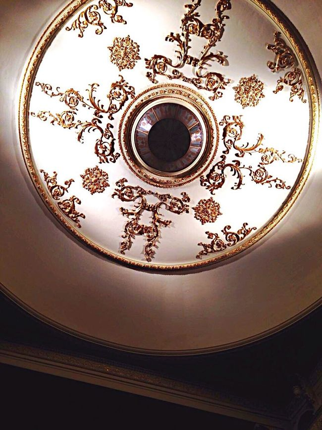 ⚜🏵⚜ my heart beats fast👼🏼👸🏼 View Architecture Rococo Beautiful Gold Beautiful Rosé First Eyeem Photo View From Below Fancy Fantasy Detail Art EyeEm Gallery Eye4photography  The Architect - 2016 EyeEm Awards Theater