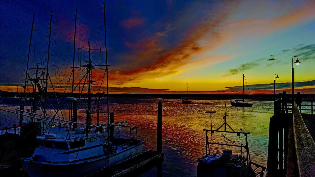 Sunset Sky Water Outdoors Nautical Vessel Cloud - Sky Reflection Dramatic Sky Harbor Sea And Sky
