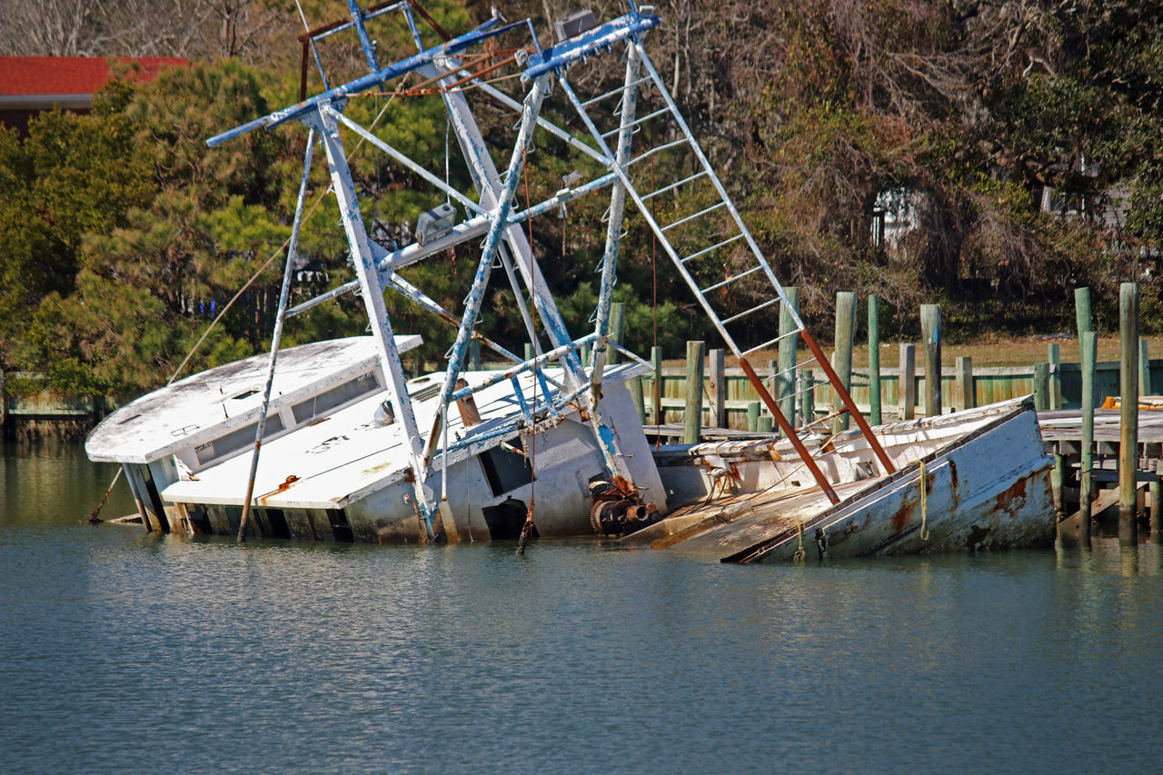 Sinking Boat Boating Relic Boats Day Nature Nautical Vessel No People Outdoors Sinking Boat Water Water Craft