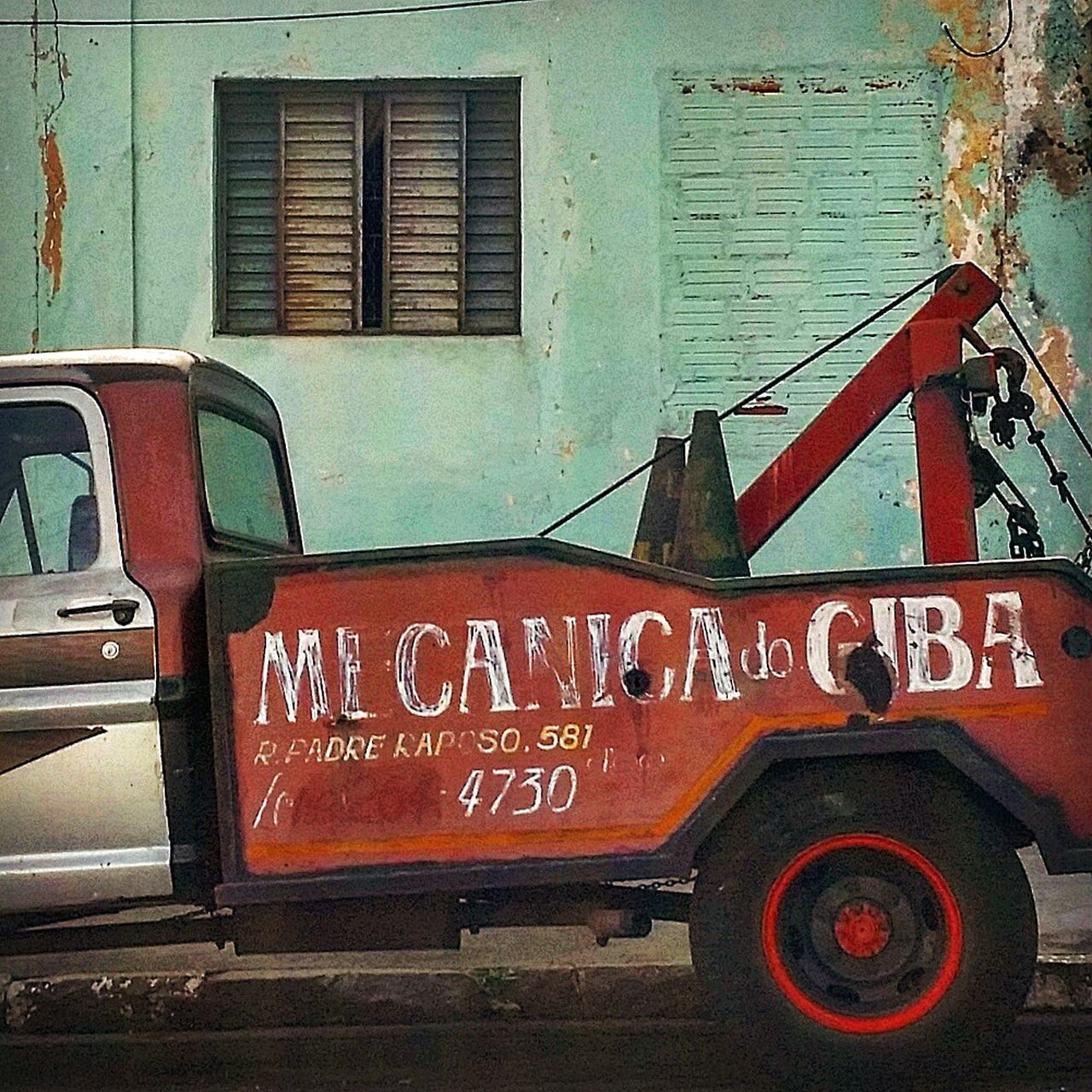 Mechanic Carlovers Vintage Cars Tow Truck Wrecker