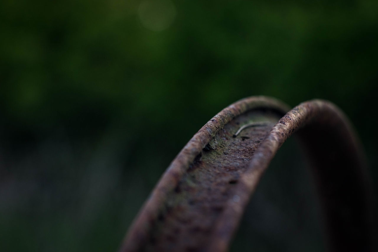 Rust Rusty Metal Bicycle Wheel Railroad Track Gravel Blurred Background Outdoors Nature Focus On Foreground Helios 44-2 Helios 44-2 58mm F2