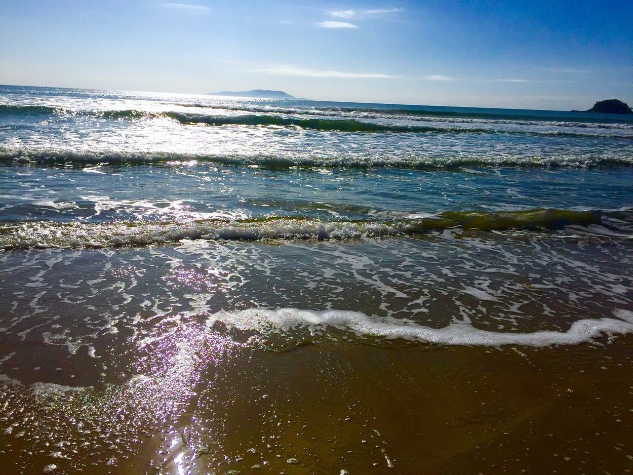 Luz e mar. Sea Water Horizon Over Water Scenics Beauty In Nature Beach Sunlight Wave Tranquility Seascape Vacations Nature Travel Destinations Tourism Sky Sunny