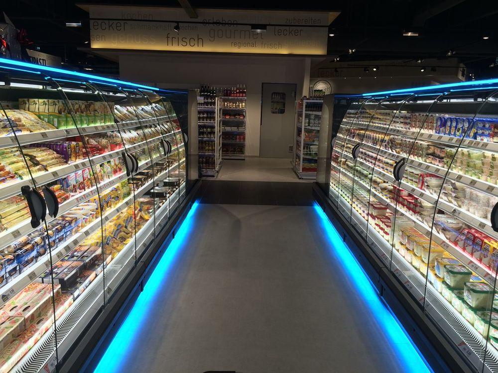 EDEKA neuer Supermarkt Indoors  Supermarché Supermarket Supermarkt Supermercado