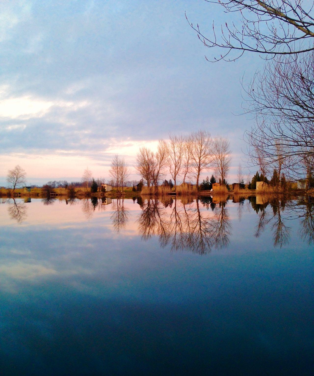 Beautiful stock photos of sunrise, Lake, Nature, No People, Non Urban Scene