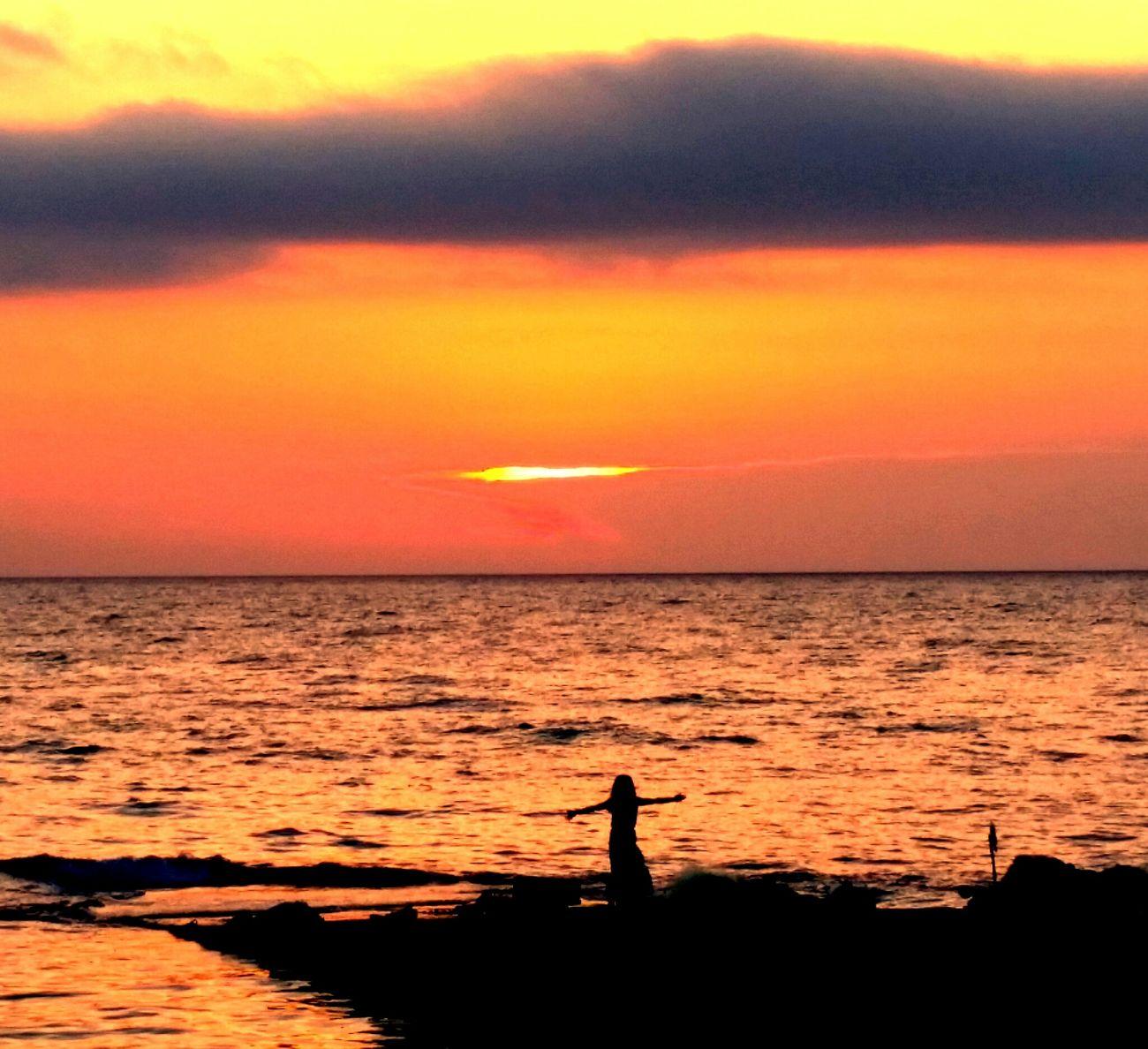 Sunset_collection ıstanbul, Turkey Sunset Silhouettes Sunset #sun #clouds #skylovers #sky #nature #beautifulinnature #naturalbeauty #photography #landscape