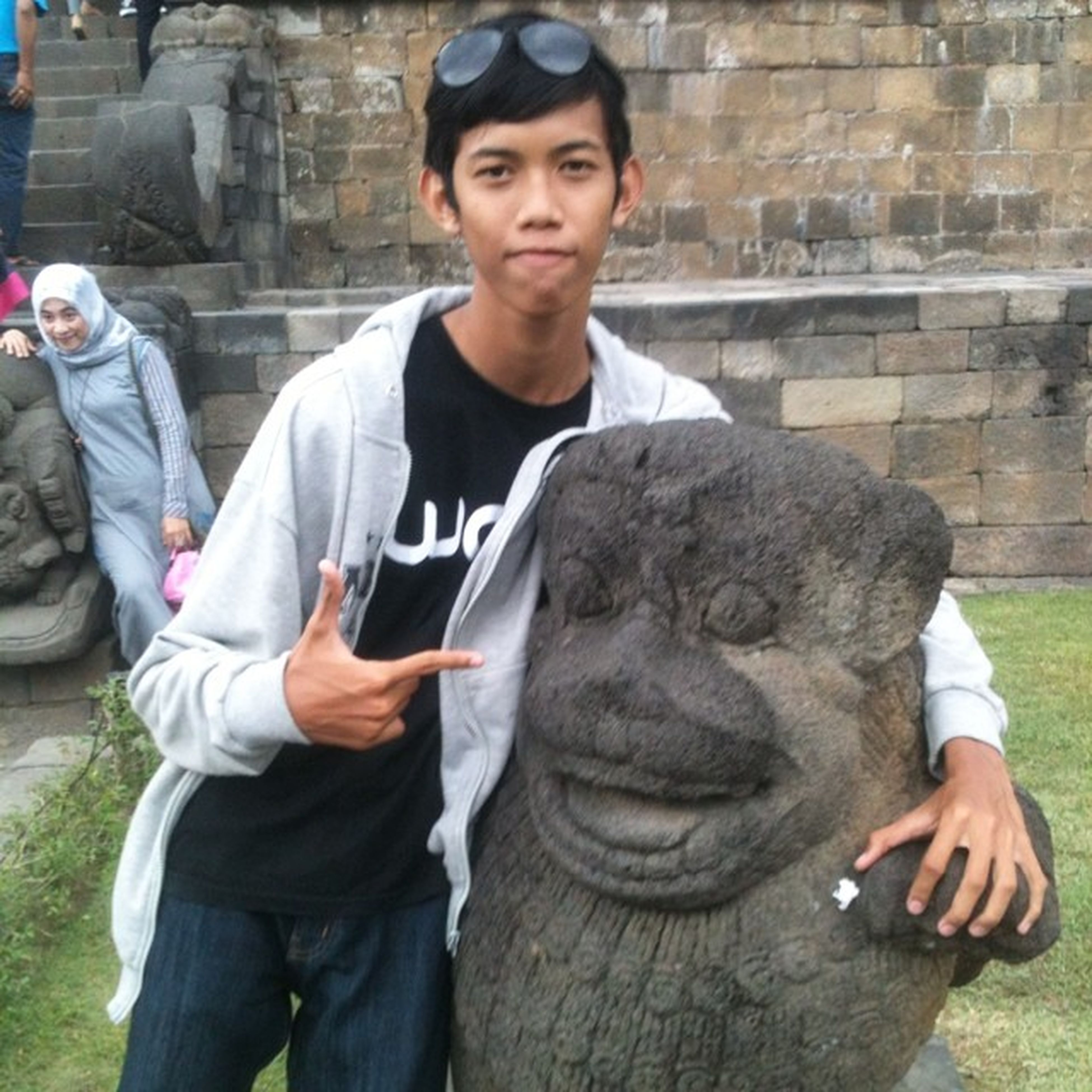 Dia adalah singa yang bro. Sebut saja Singabro . Borobudur Temple Magelang Indonesia